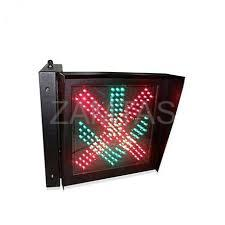 400mm Red Cross + Green Arrow in One Unit Traffic Light